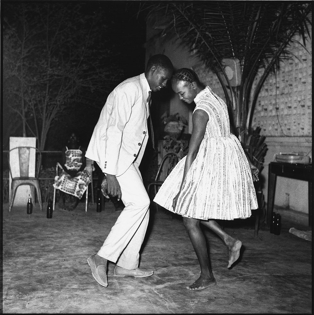 Malick Sidibé, Christmas Eve, 1963, gelatin silver print, 50 x 60 cm. Courtesy of Fifty One Fine Art Photography.
